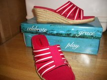 #P150 LADIES RED ESPADRILLE WEDGE SHOE SIZE 6 1/2 NEW in Fort Hood, Texas